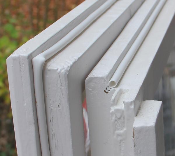 Házilag meg lehet csinálni ezt a svéd technológiájú szilikonos ablakszigetelést?